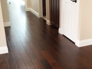 dark-hardwood-floor-handscraped